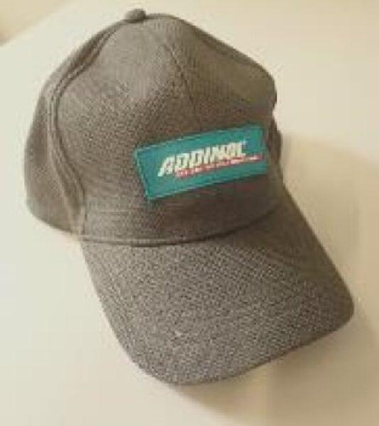 Beisbola cepure ar Addinol logo